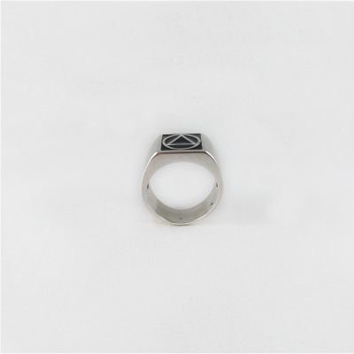 Inset Circle Triangle Ring